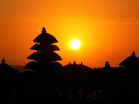 Bali photo: Sunset in Tanah Lot