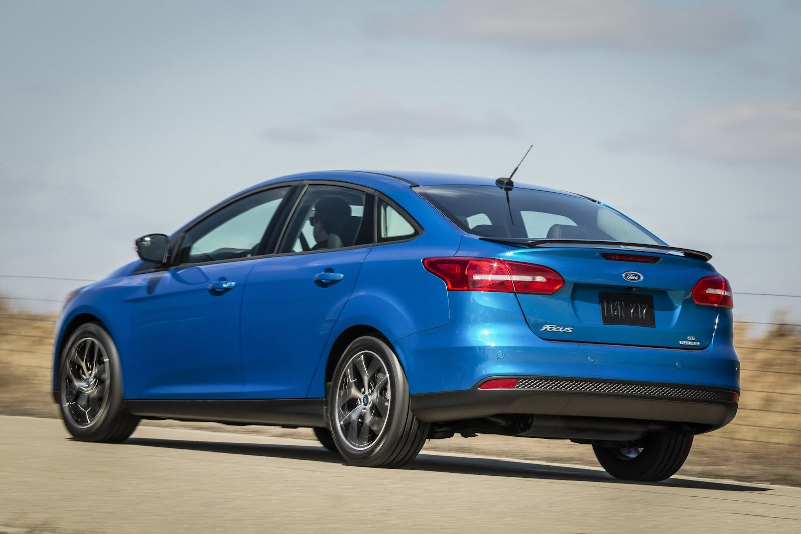 2015-Ford-Focus-FL-NA-2%25255B2%25255D.jpg