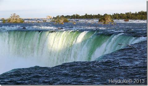 Horseshoe Falls edge