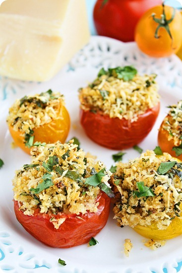 Mini Baked Provençal Tomatoes – Summer tomatoes with a crispy Parmesan-breadcrumb stuffing make a fabulous French treat! | thecomfortofcooking.com
