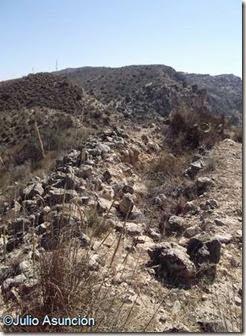El Tabaiá - túmulo de piedras en la parte este del poblado