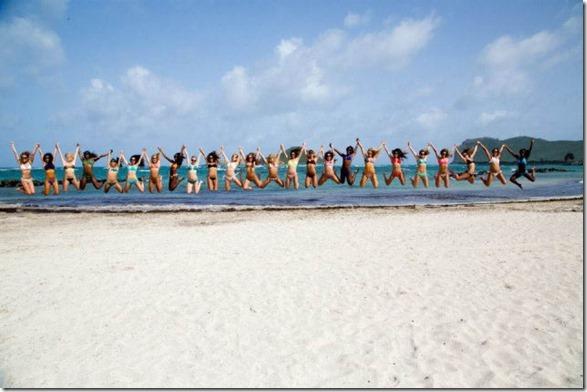 cheerleaders-swimsuits-calendar-3