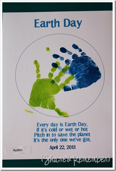 Happy Earth Day! handprint printable