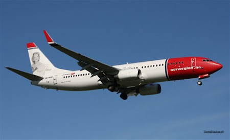 Norwegian Air Shuttle.jpg