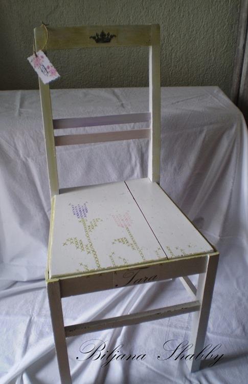 Oslikana stolica - proljece 009