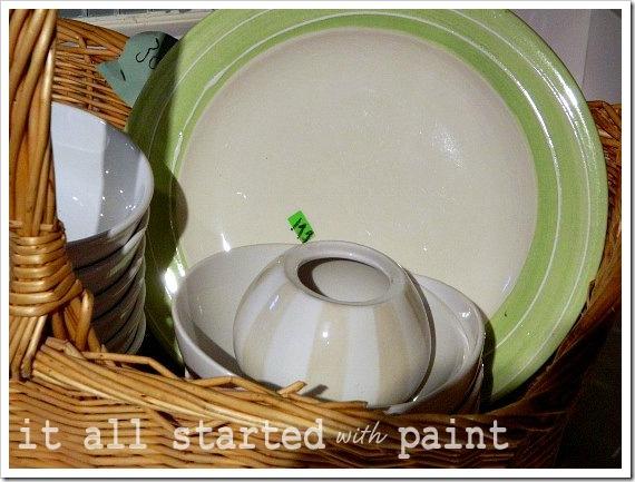 Cake Plate vase & plate closeup(550x413) (2)