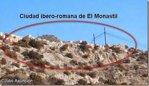 Ciudad ibero-romana de El Monastil - vista desde la carretera