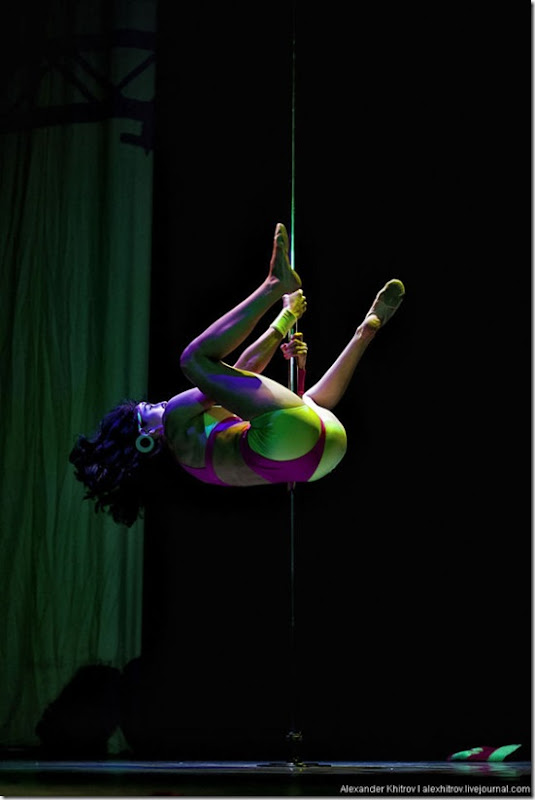 russian-pole-dancing-competition-20