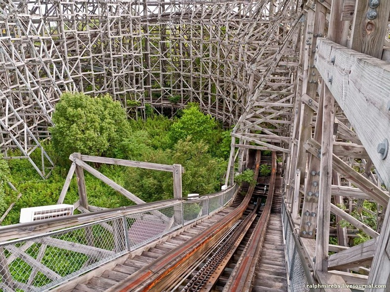 wooden-rollercoaster-19