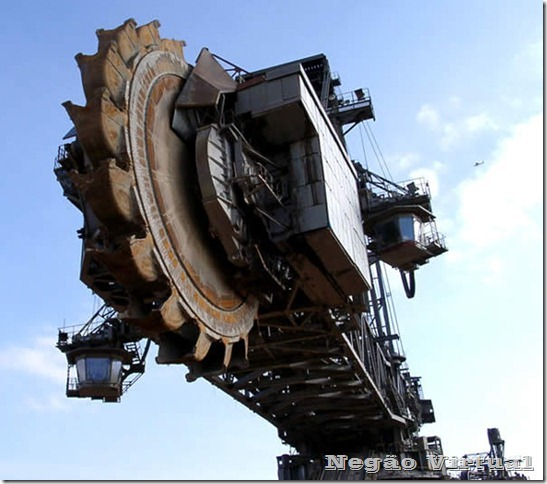 biggest_construction_vehicles_2