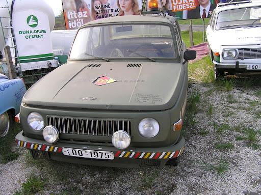 DDR Wartburg Volks Armee