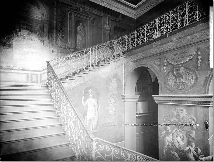 Kensington_Palace_Kings_Grand_Staircase_low
