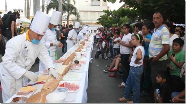 Preparación de la Torta de la Barda mas grande