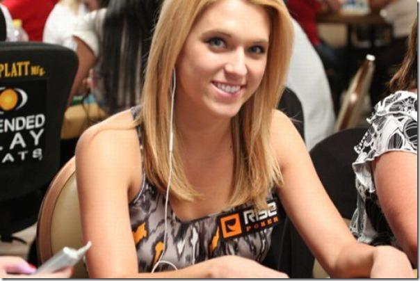 As garotas mais sexys jogarodas de poker (23)