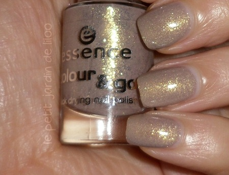 03-essence-irreplaceable-nail-polish