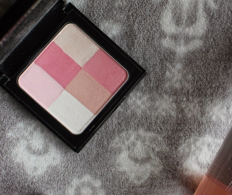 BobbiBrown-BrighteningBrick-PastelPink