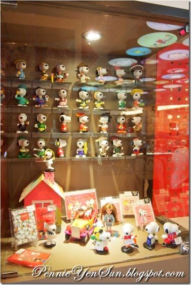 Charlie Brown Cafe (19)