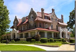 640px-Scott_mansion_tx_2010