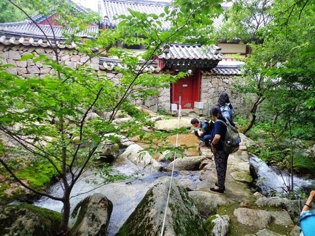 du-lic-tam-linh-han-quoc-tham-chua-co-ngan-nam-tuoi (8)