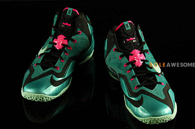 nike lebron 11 gr south beach 2 02 Nike LeBron XI South Beach Release Date (616175 330)