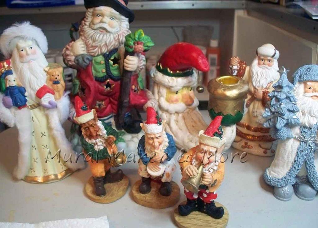[thrift-store-Santas%255B3%255D.jpg]