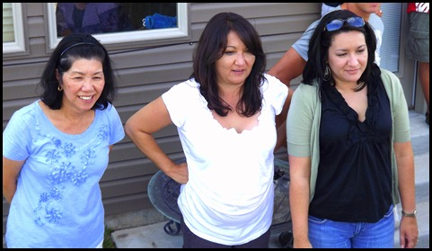 Trays aunties