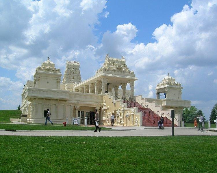 Wonderful Indian Temples Abroad: Malibu Hindu Temple(US), Shiva-Vishnu Temple(Livermore, California, US), Sri Venkateswara Swami Temple of Greater Chicago (- Aurora, Illinois, United States), Shiva - Vishnu Temple ( Melbourne, Australia)