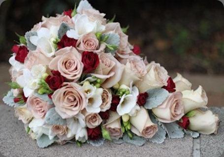 427074_360101274030635_617857052_n bliss floral desig au