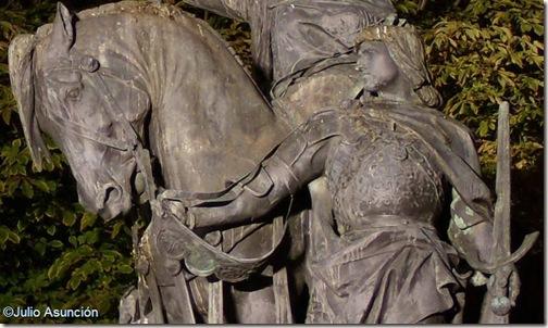 El Gran Capitán - Monumento a Isabel la Católica - Madrid