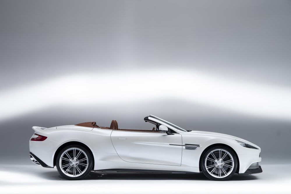 2012 - [Aston Martin] Vanquish [310] - Page 6 New-Aston-Martin-Vanquish-Volante-08%25255B5%25255D