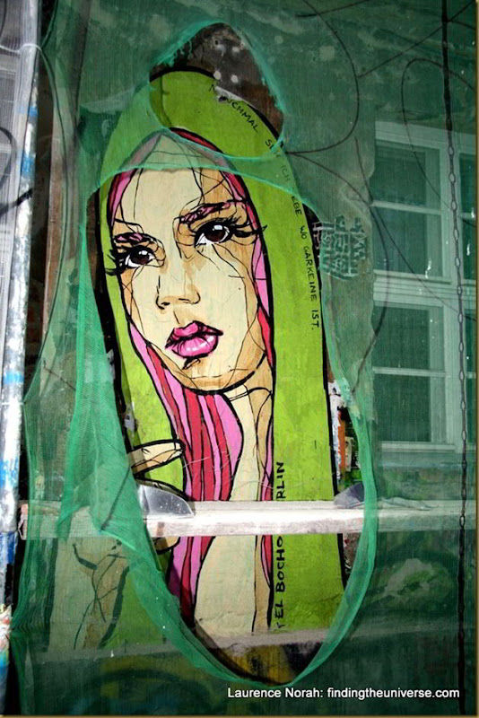 Girl in shawl, Hoff Alley, street art, Berlin, Germany