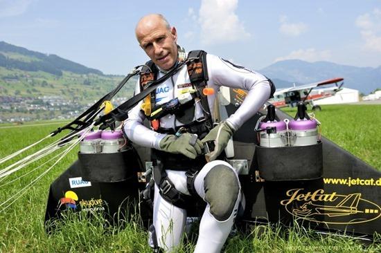 Jetman Yves Rossy (9)