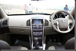 Mahindra-XUV500-dashboard
