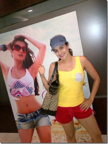 Amisha Patel  for Glam Star Sunglasses3