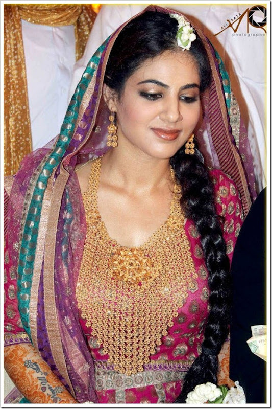 Annie-Khalid-Wedding-Marriage-Ceremony-Pictures[mastitime247.blogspot.com]-9