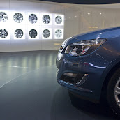2013-Opel-Astra-Sedan-Moscow-Live-7.jpg