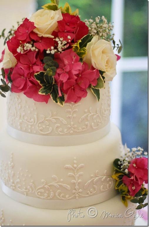 WEDD  cake close