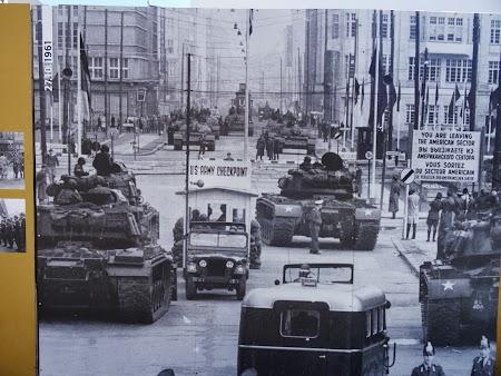 Sovietici contra americani la Berlin