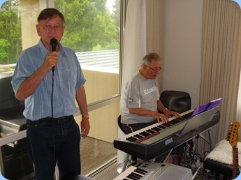 Guest, Len Hancy, did the honors throughout the day and night as the chief vocalist. Good job Len. Seen here accompanying Ron Stanwell on the Korg SP250 digital piano