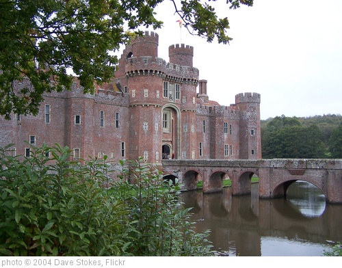 'Castle' photo (c) 2004, Dave Stokes - license: http://creativecommons.org/licenses/by/2.0/
