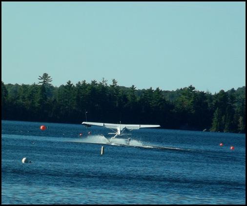 Seaplane fly in 084