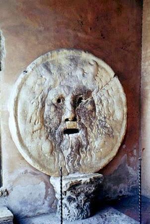 Obiective turistice Italia: Gura adevarului Roma