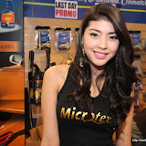 philippine transport show 2011 - girls (136).JPG