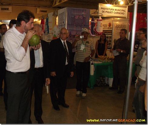 Cid Gomes em stand de Piquet Carneiro