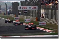 Button precede Hamilton e Vettel nel gran premio della Cina 2011