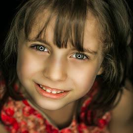 Diala by Ali Alaraibi - Babies & Children Child Portraits ( child, children, portraits, portrait )