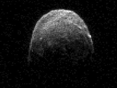 imagem de radar do asteroide 2005 YU55