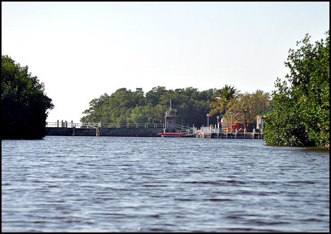 07a - Canal Dam