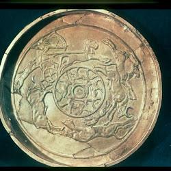 62 - Cuenco de Oro procedente de Ras-Shamra (París. Museo del Louvre)