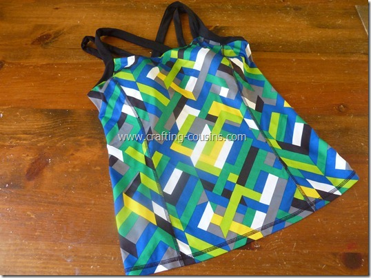 Make your own lap swim or triathlon suit tutorial from The Crafty Cousins (1)
